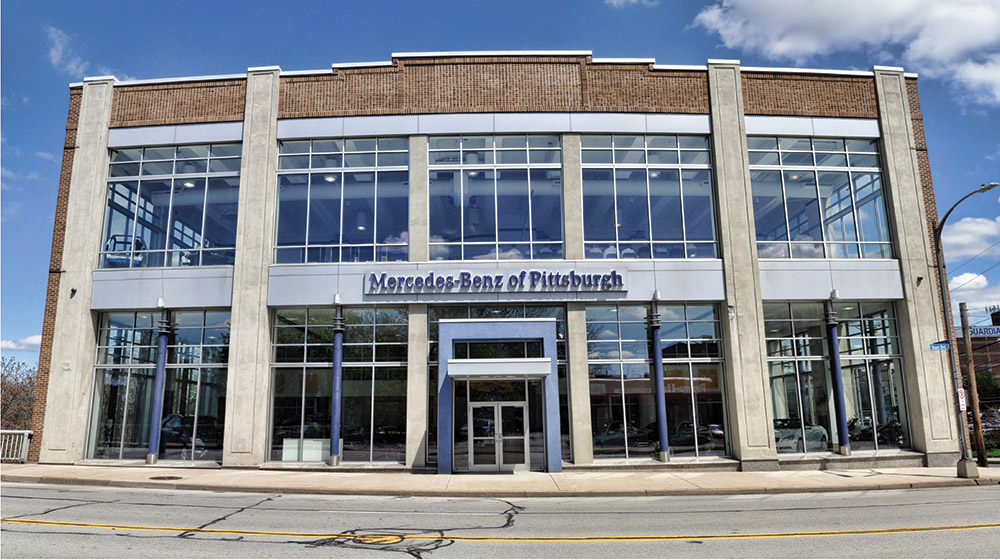 "<span class = ""time-line-date"">August</span><br>Mercedes-Benz of Pittsburgh Opens"