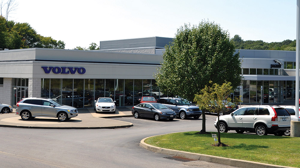 """<span class = """"time-line-date"""">September</span><br>Bobby Rahal Volvo Opens"""